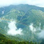 晴れと霧の境目、小遠見山